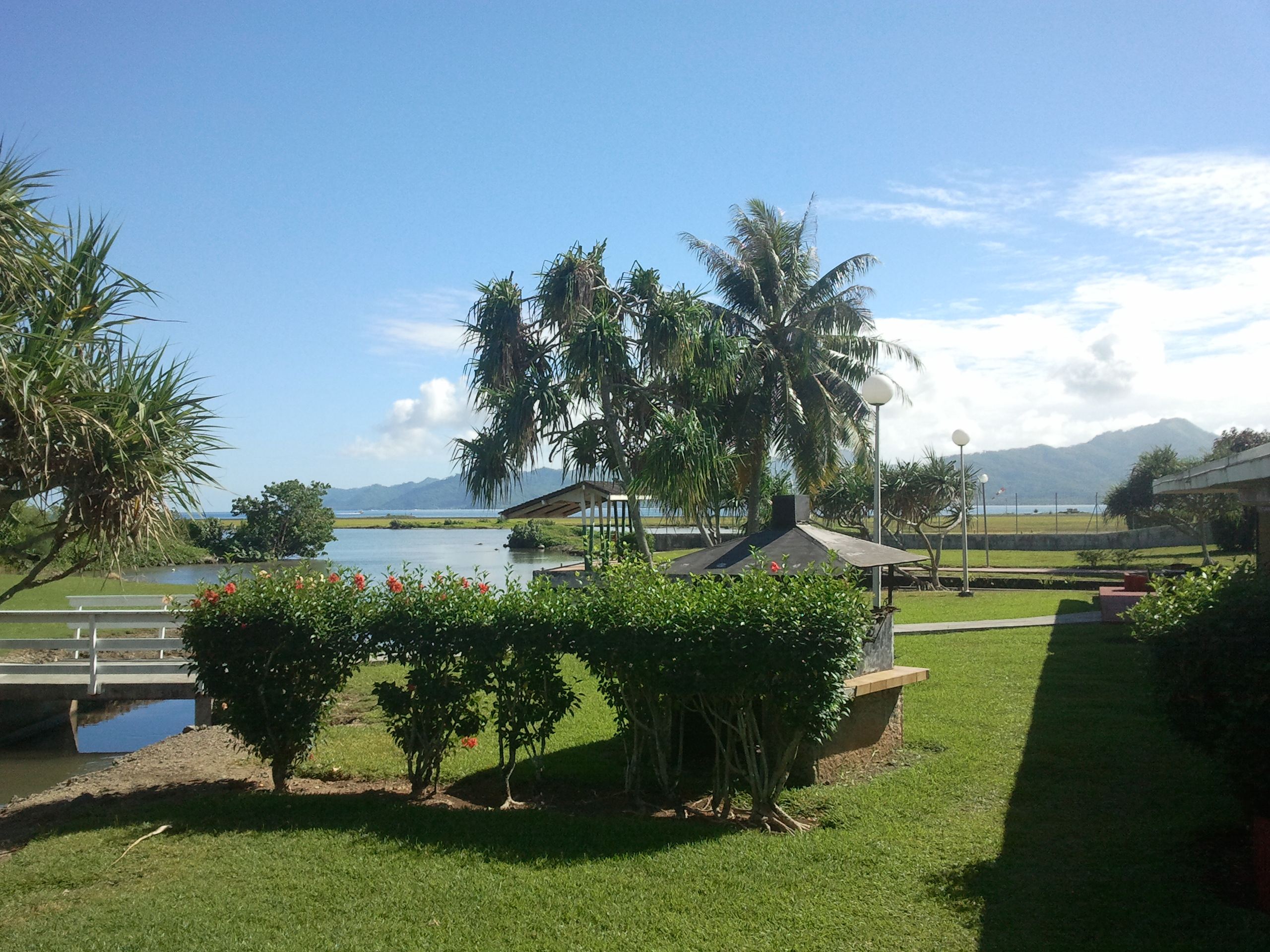 jardinier paysagiste pour un beau jardin annuaire tahiti. Black Bedroom Furniture Sets. Home Design Ideas
